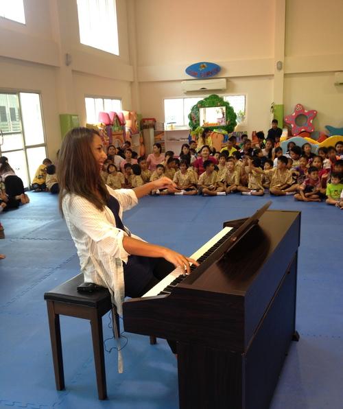 Concert+at+Pattaya+Orphanage.jpg