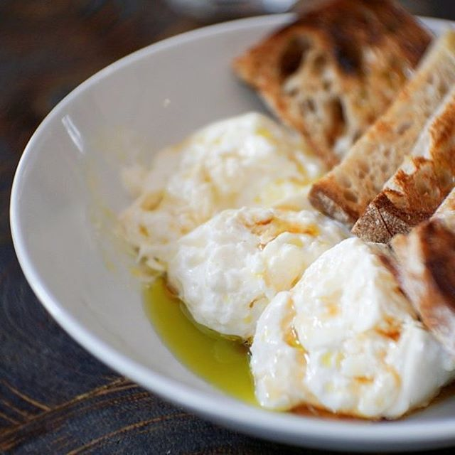 Read this NOW if you have serious foodie #fomo! We review @bistronovember which will be gone end Nov (that's just 14 days to go!) With an ever changing menu that's dependant on the produce of the day, get excited for something fresh everyday. Our lives were changed by the #burrata 🧀. Head over to www.enjoythesmart.life (link in bio) for the full review!  #enjoythesmartlife #unlistedcollection #bistronovember