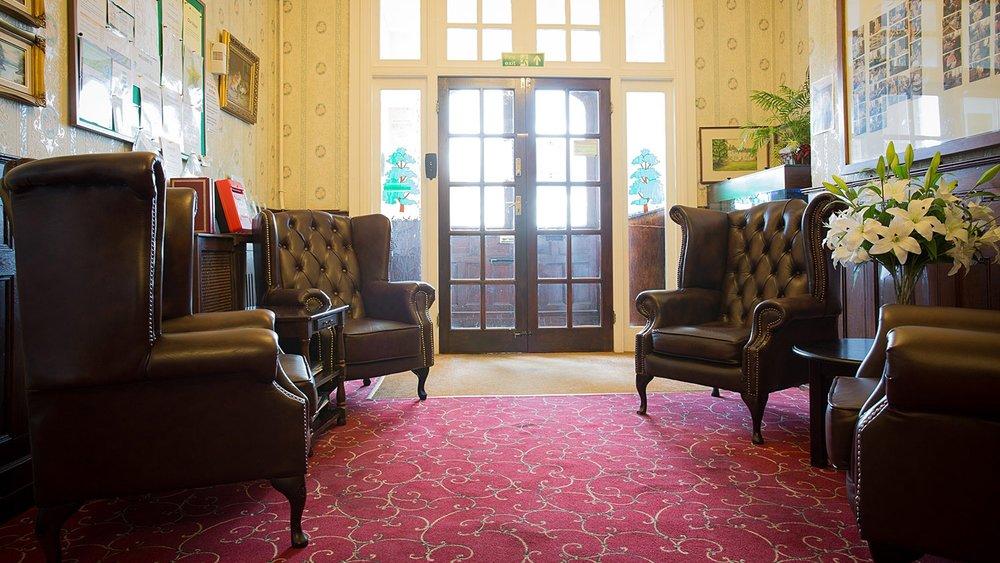 Holywell_Park_Nursing_Home_Sevenoaks_Interior_012_0708-2.jpg