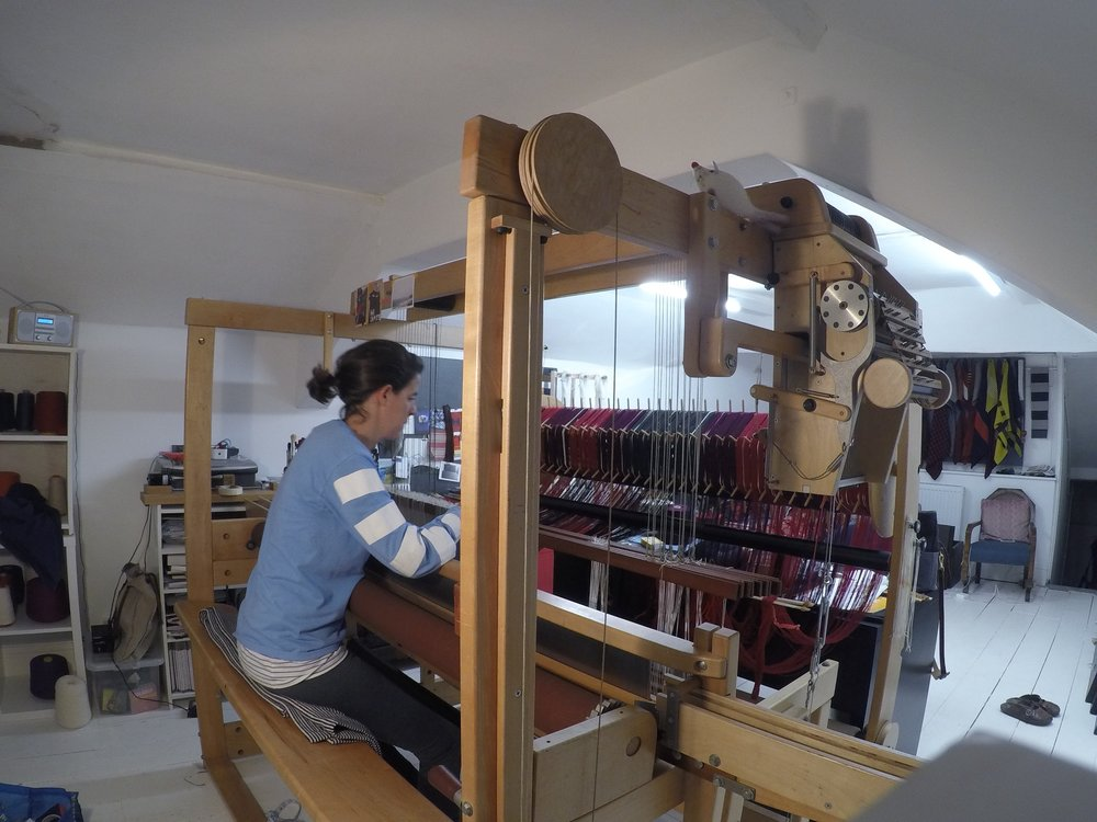 8.Side view of the loom.jpg