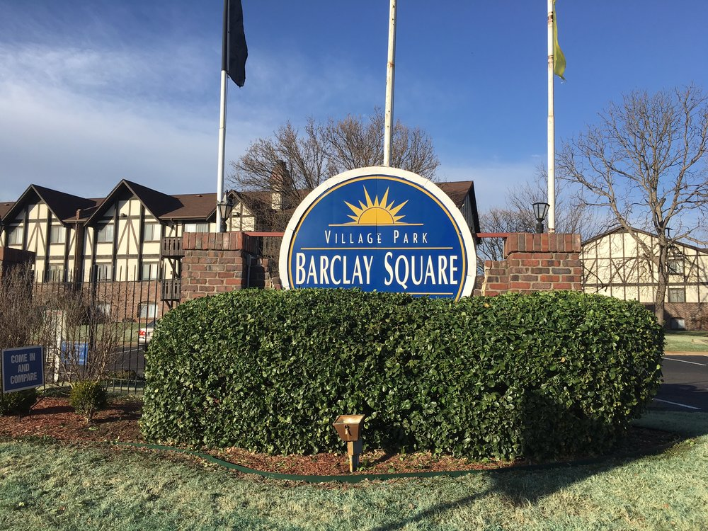 Barclay Square Sign 1.JPG