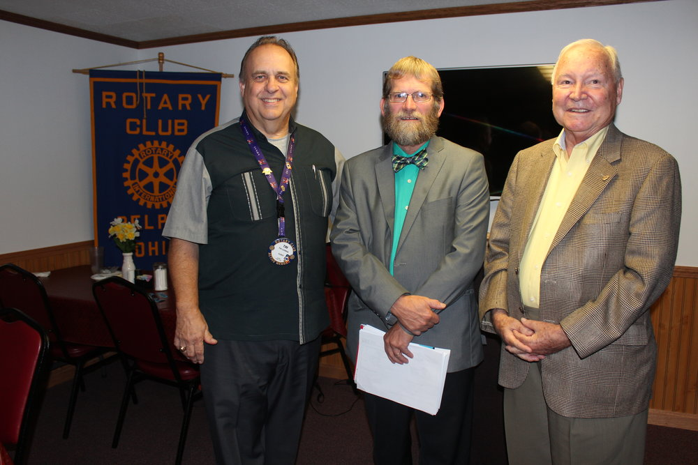 Rotarian Bob McCloy and President Tim Lyndsay welcomed Washington County Commissioner David White to discuss activities of the Commission in the county.