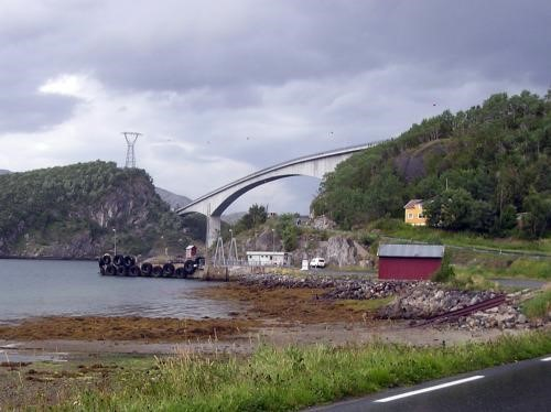Sundoy Bridge - The Sundøy Bridge is a 2-lane road bridge designed as one of the world\'s longest concrete cantilever bridges with a main span of 298 m and total length of 538 m