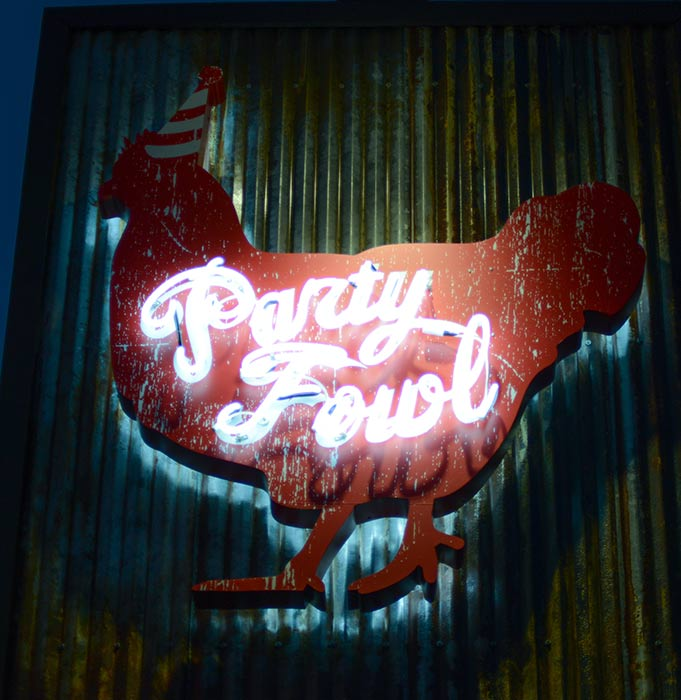Party-Fowl-846-41