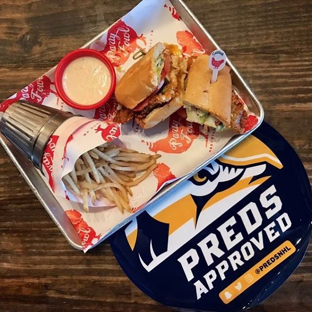 Smashville, we've got the Blackhawks at home tonight! Swing on by for a Nashville Hot Catfish Po' Boy! We will have the game with sound! @predsnhl #standwithus