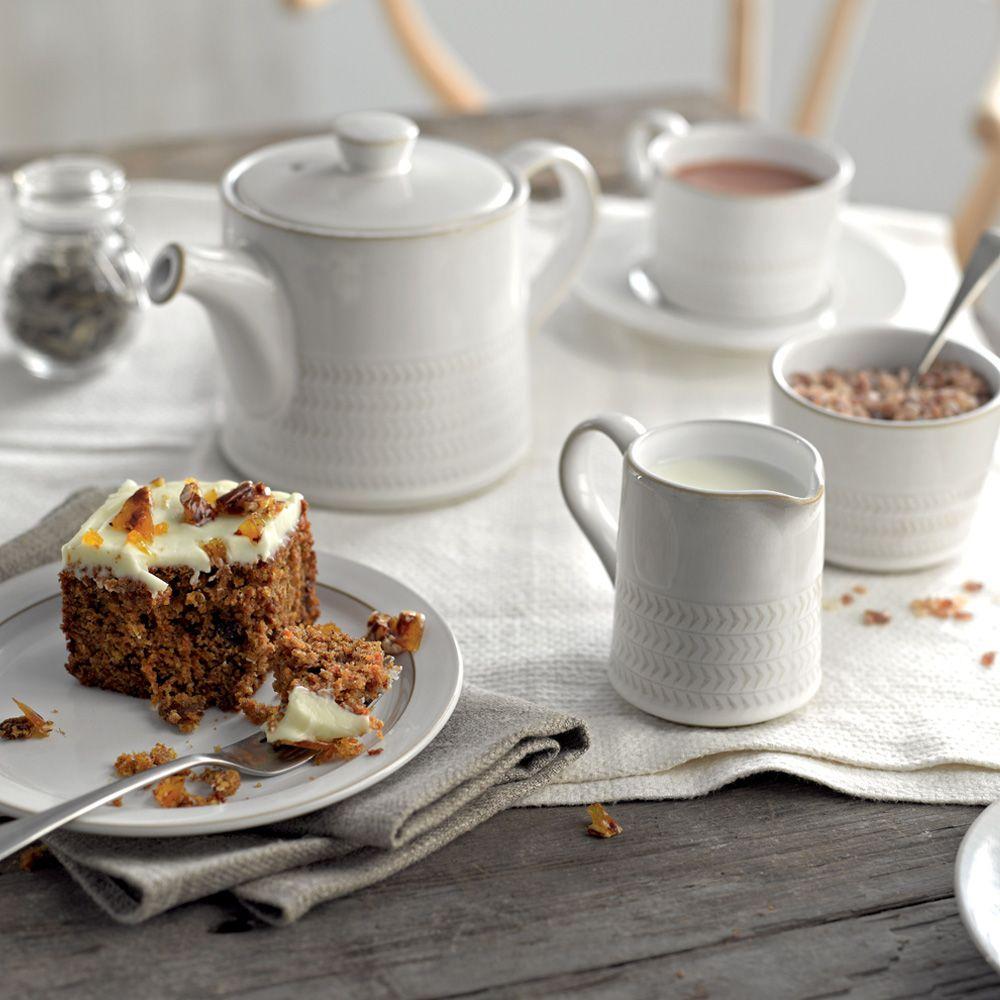 denby-stoneware-natural-canvas-textured-teapot-31-oz.jpg
