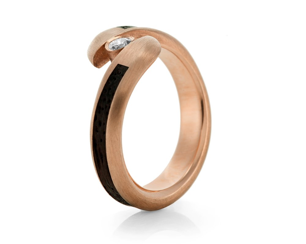 contemporary-wooden-jewelry.jpg