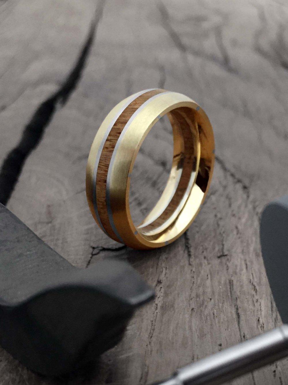 gold-plat-wedding-ring-raw.jpg