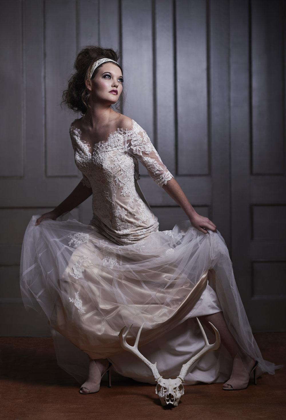 marta-hewson-fashion-urnabicity-bridal-running-bride-with-skull.jpg