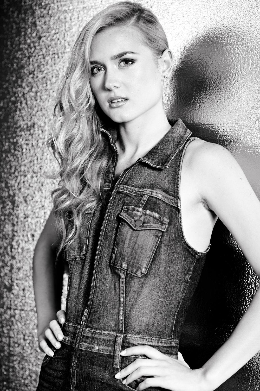 Marta-Hewson-Taylor-Greenaway-Model-Photoshoot-8311.jpg