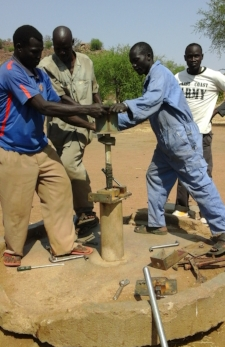 Repairing another Nuba well.jpg