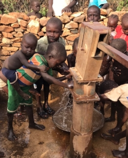 PPF Engineers Repair another Nuba Well - 1.JPG