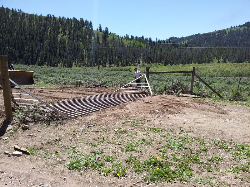 Improvements made to fencing and cattle guard in the Munger Mountain / Fall Creek area.