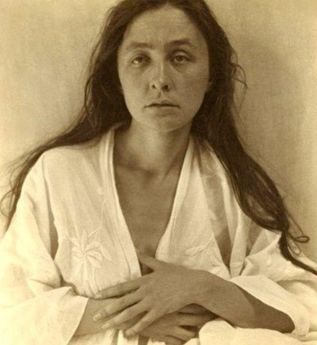 ICON. Alfred Stieglitz, Portrait of Georgia O'Keeffe, 1918. (Image via @google )