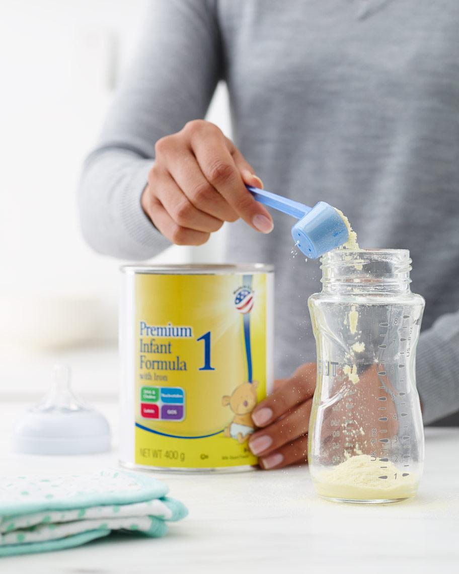 011_Kitchen_11_Making_Infant_Formula_092.jpg