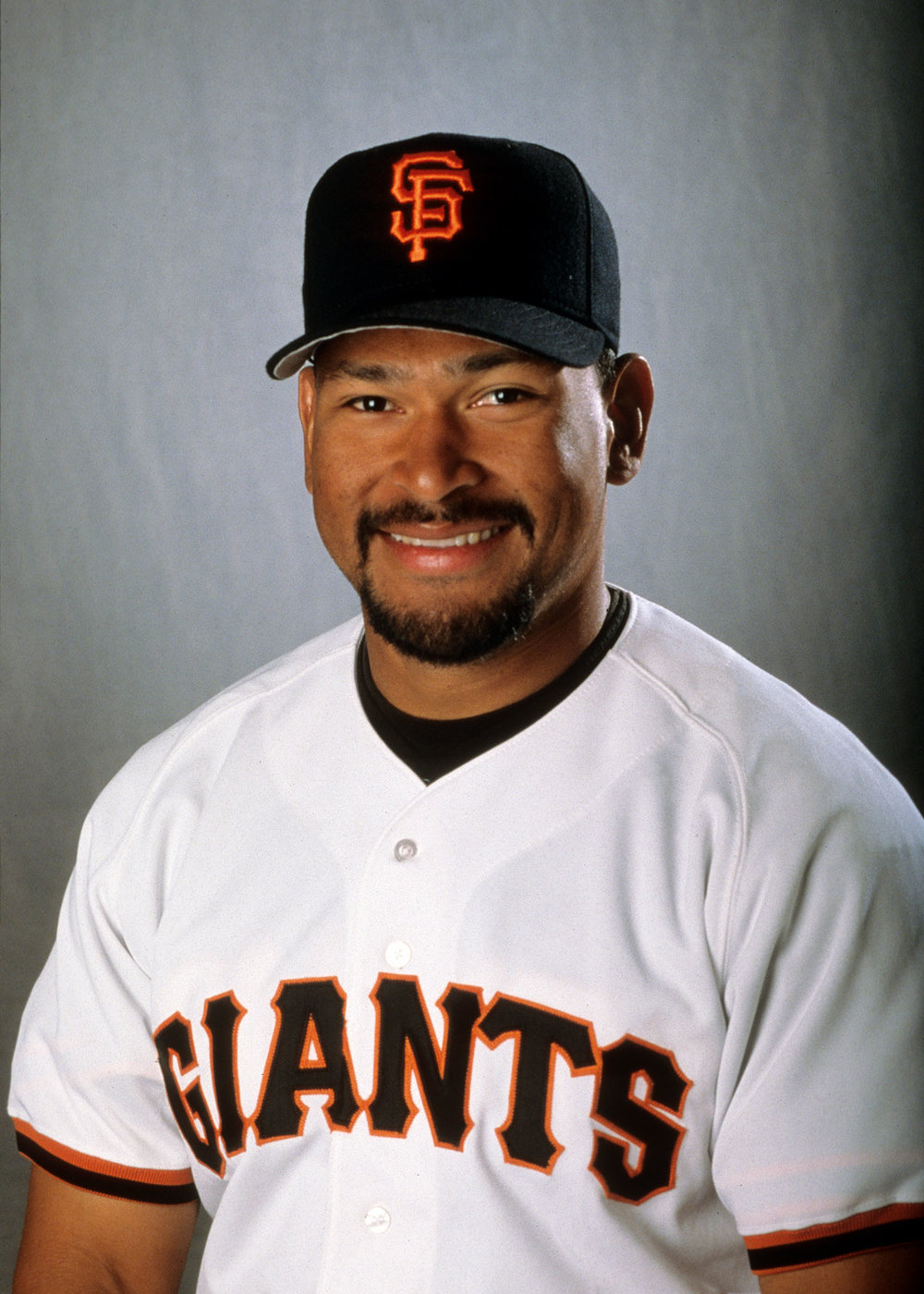 Marvin Benard   Marvin Benard spent nine seasons (1995-2003) as an outfielder with the San Francisco Giants.  Benard is now an analyst with the Giants Spanish flagship radio station KXZM (93.7 FM) calling games alongside Erwin Higueros and Tito Fuentes.