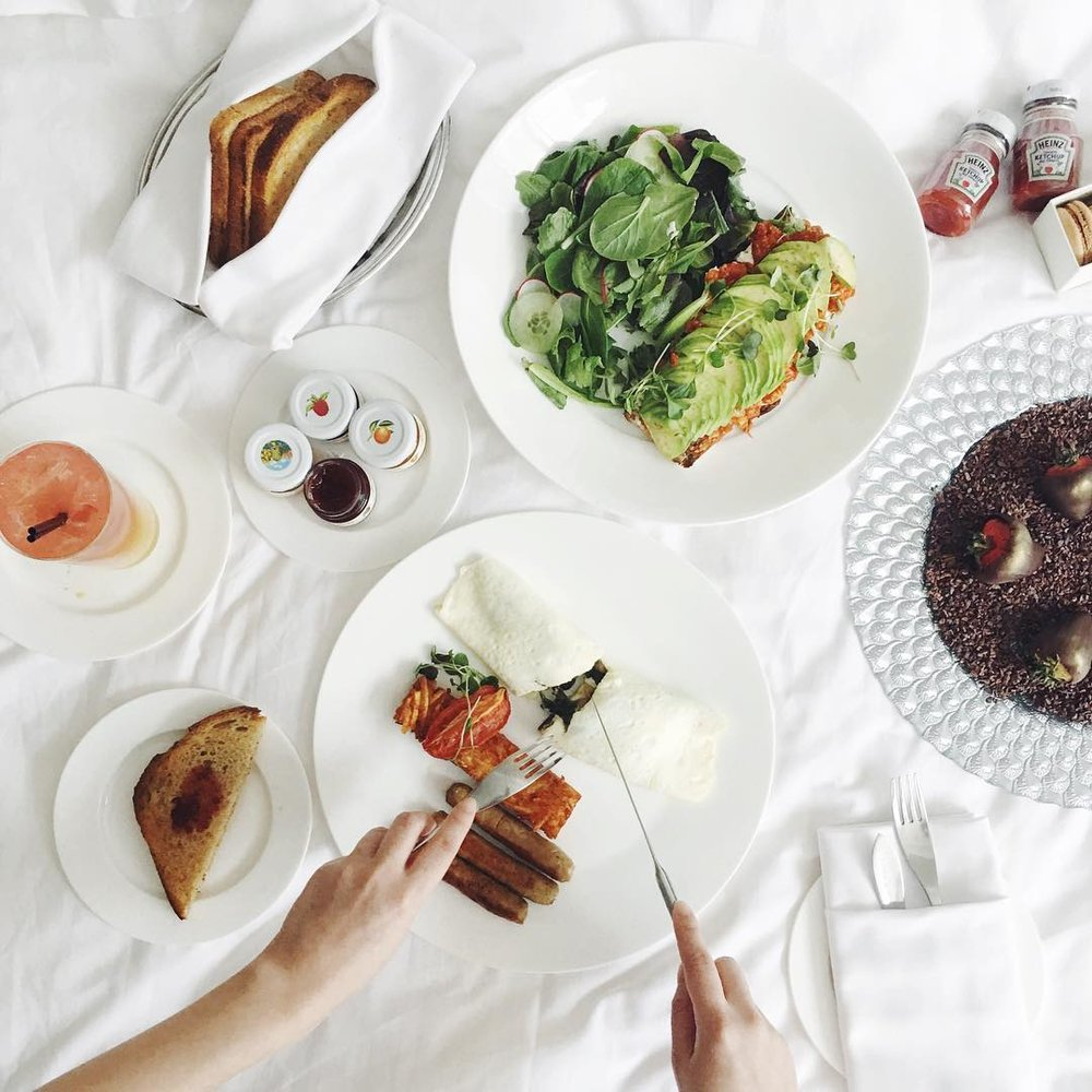 shangri-la-toronto-breakfast-in-bed.jpg