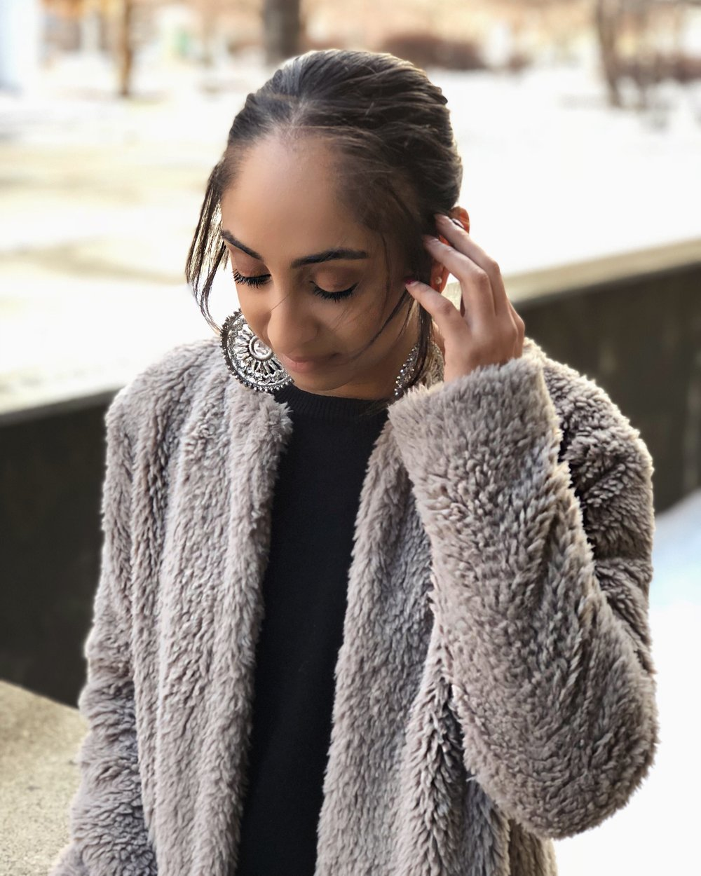 This look is one of my favorites because of how chic it is, and we all know by now how much I love black and grey. My coat is from Nordstrom Rack, my sweater is from Forever 21, my jeans are form 7 For All Mankind, booties are from Nordstrom Rack, and earrings are from Tj Maxx.