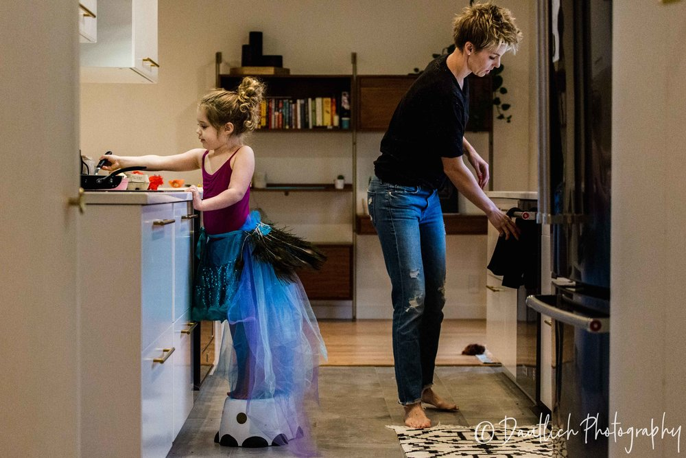 Dautlich_photography_family_steph_june_cooking.jpg