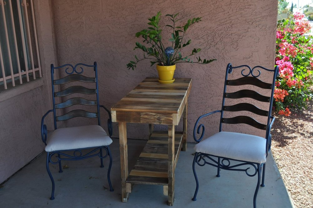 Pallet Patio Table.JPG