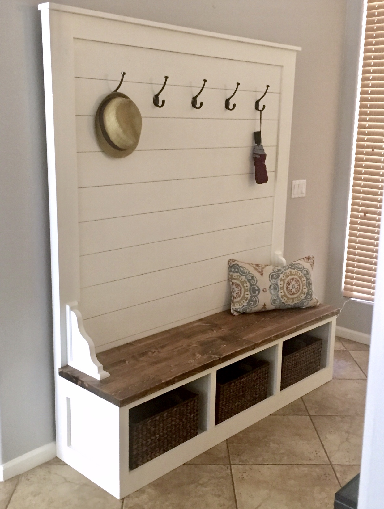 Plans To Build An Entryway Storage Bench