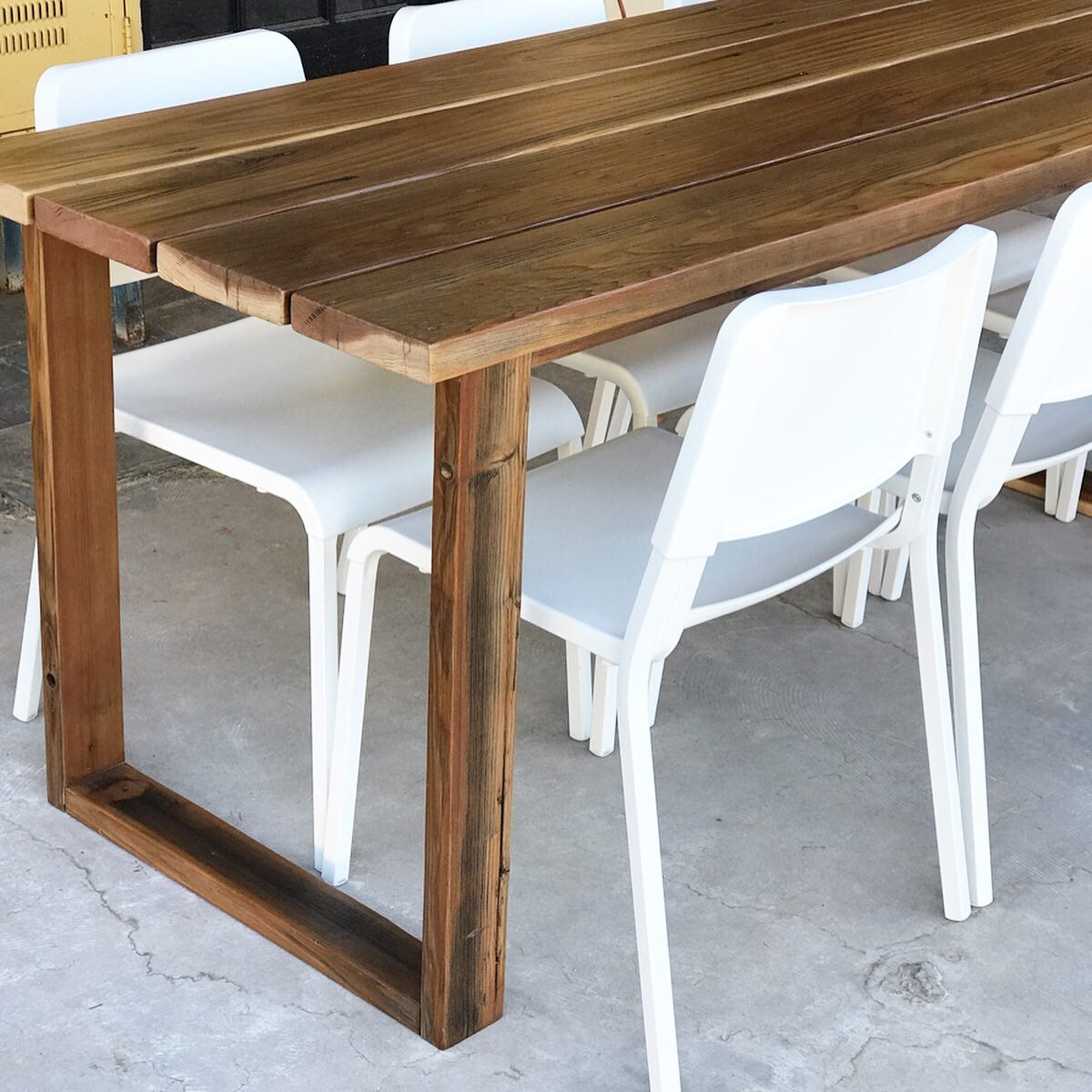 Diy Simple Outdoor Dining Table The Awesome Orange