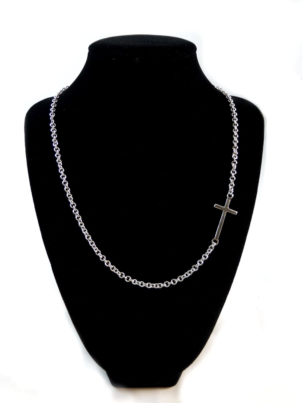 CROSS NECKLACE.jpg