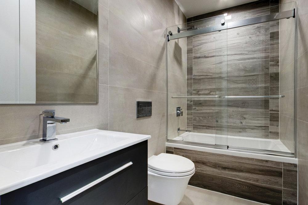 06 - Bath.jpg