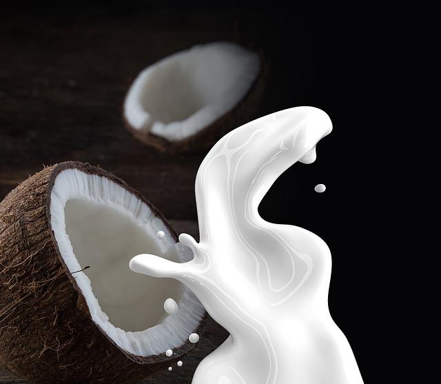 coconut-milk-1623611_640.jpg
