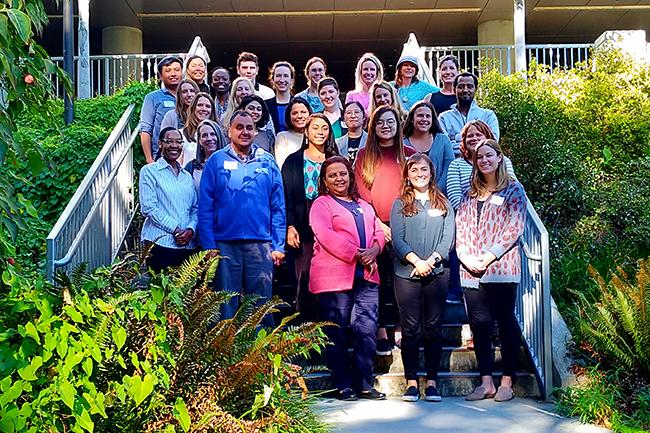 LEND orientation group-800px.jpg