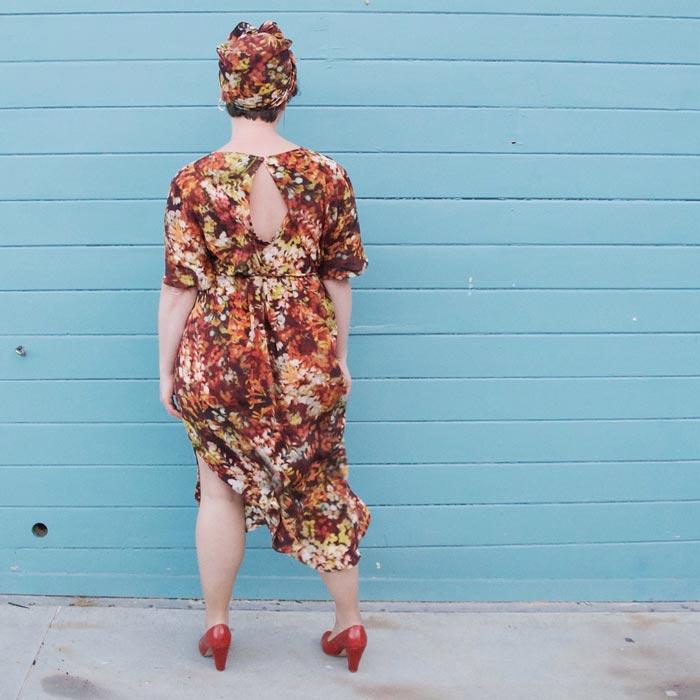bibbity_bobbity_buttons_a_self_covered_button_papercut_patterns_kobe_dress_32.jpg