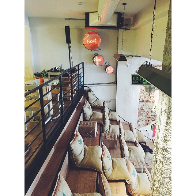So cool. Coworking Istanbul  #collective #coworkingspaces #kolektifhouse  #istanbul #turkey #neveraboringmoment #passionpassport #travelbug #travel #urbanexpat #exploringbyrunning #instaistanbul #instatravel #insta #instabest #instagood #vsco #vscocam #vscobest #vscotravel #vscoistanbul #mytinyatlas #TellOn #startupistanbul (at Kolektif House)