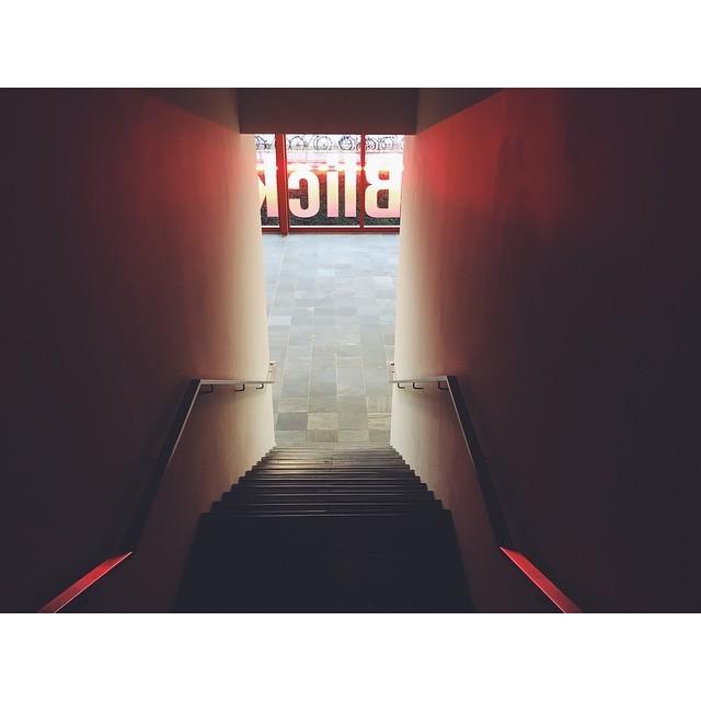 Look #look #blick #21erHaus #museum #vienna #austria #vsco #vscocam #vscobest #vscoaustria #insta #instabest #instagood #instaaustria #travel #travelbug #TellOn #passionpassport #realtravel #mytinyatlas #neveraboringmoment  (at 21er Haus)