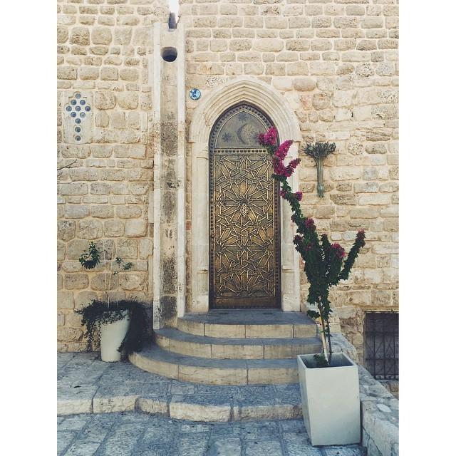 So much about Tel Aviv is about beautiful doorways #doorways #architecture #telaviv #israel #oldjaffa #colorfulworld #summeroftravel #mytinyatlas #TellOn #travel #travelbug #passionpassport #insta #instabest #instagood #instaisrael #instatravel #instatelaviv #vsco #vscocam #vscobest #vscoisrael #vscotravel #vscotelaviv #b#neveraboringmoment  (at Old Jaffa - يافا القديمة)
