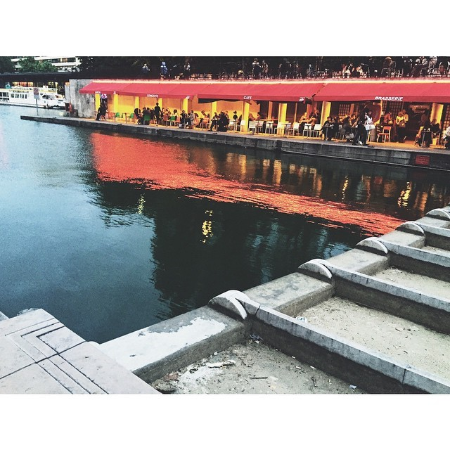 Stuck in Paris overnight after a meeting is not the worst #instatravel #insta #instabest #instagood #instaparis #france #paris #passionpassport #vsco #vscocam #vscobest #vscoparis #canalsaintmartine #bobo #NeverABoringMoment  (at Canal Saint-Martin)