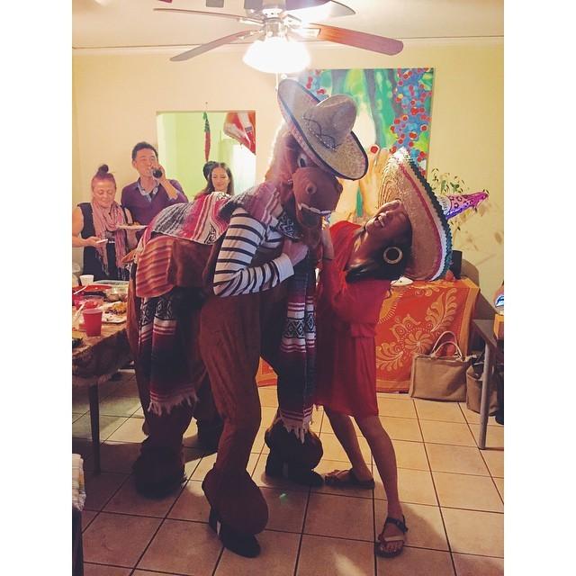 Happy Cinco de Mayo #cincodemayo #horsesandsombreros #vsco #vscocam #vscobest #instabest #instagood #instalosangeles #insta #fiesta #losangeles #la #holidays  (at Los Angeles, California)