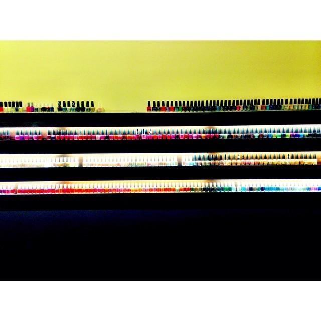 So many pretty colors #nailsalon #pameringmyself
