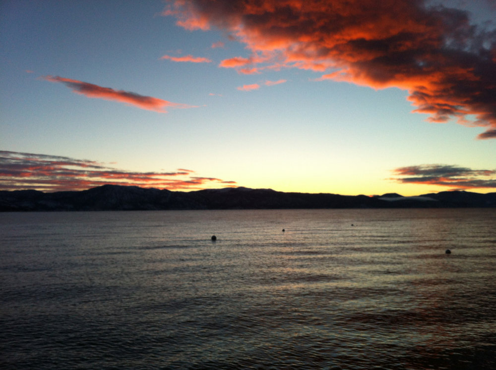 Happy New Year to you all! May it bring you so much joy!    #laketahoe #newyearssunrise
