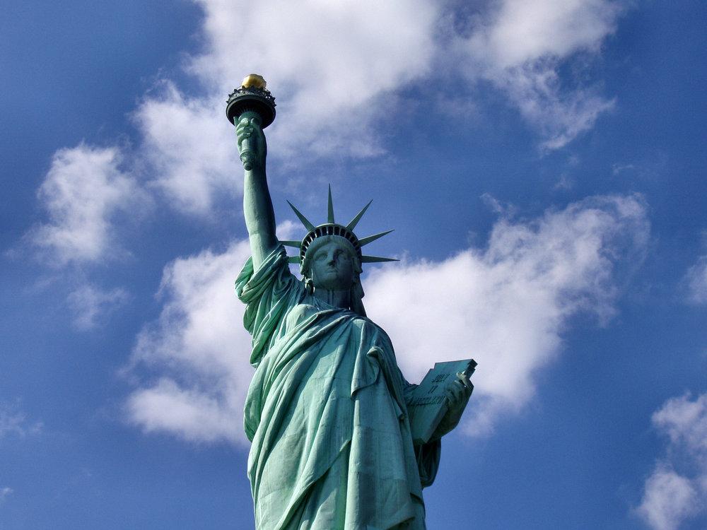 Liberty-statue-from-below.jpg