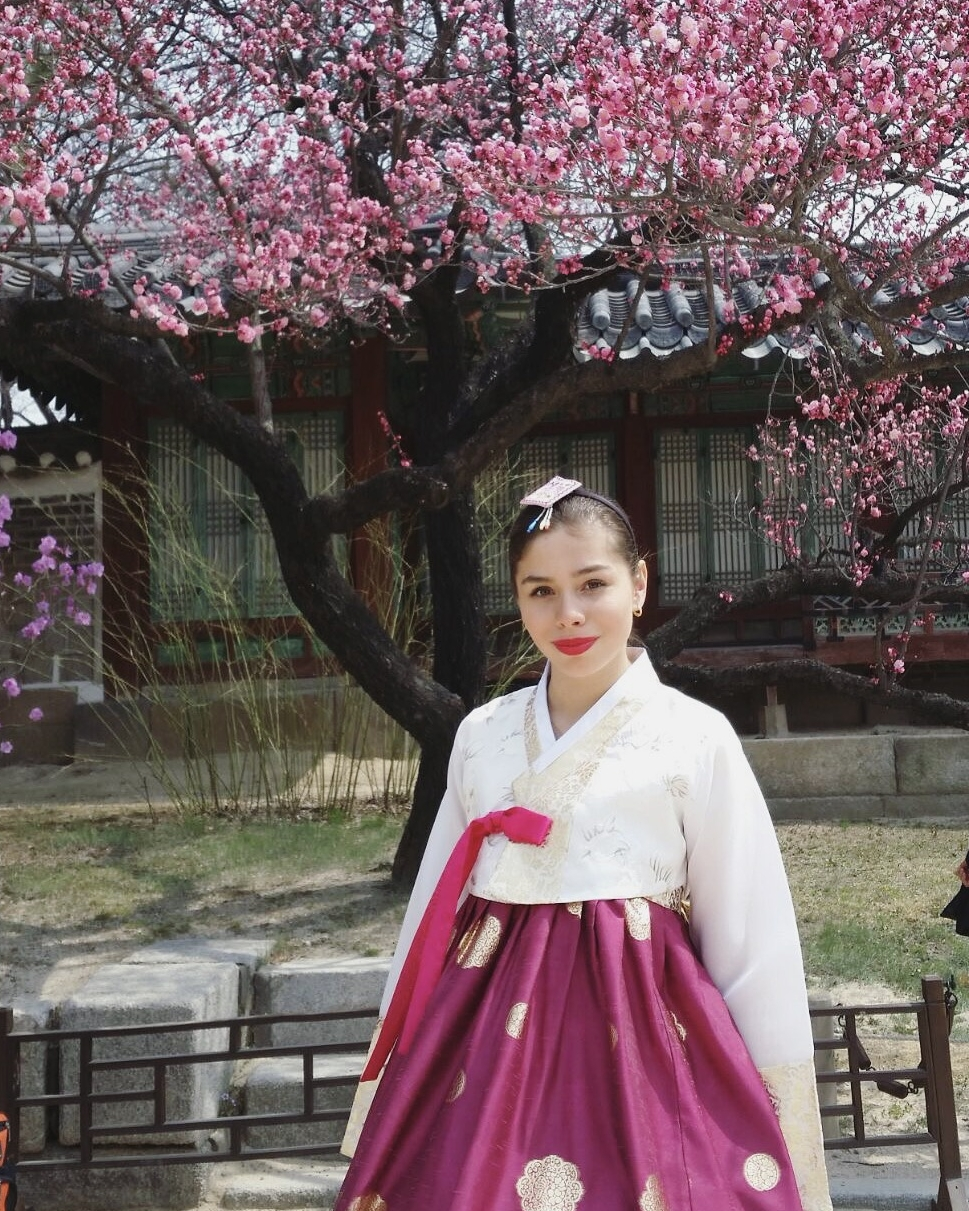Josean Dynasty Palace - Hanbok Attire