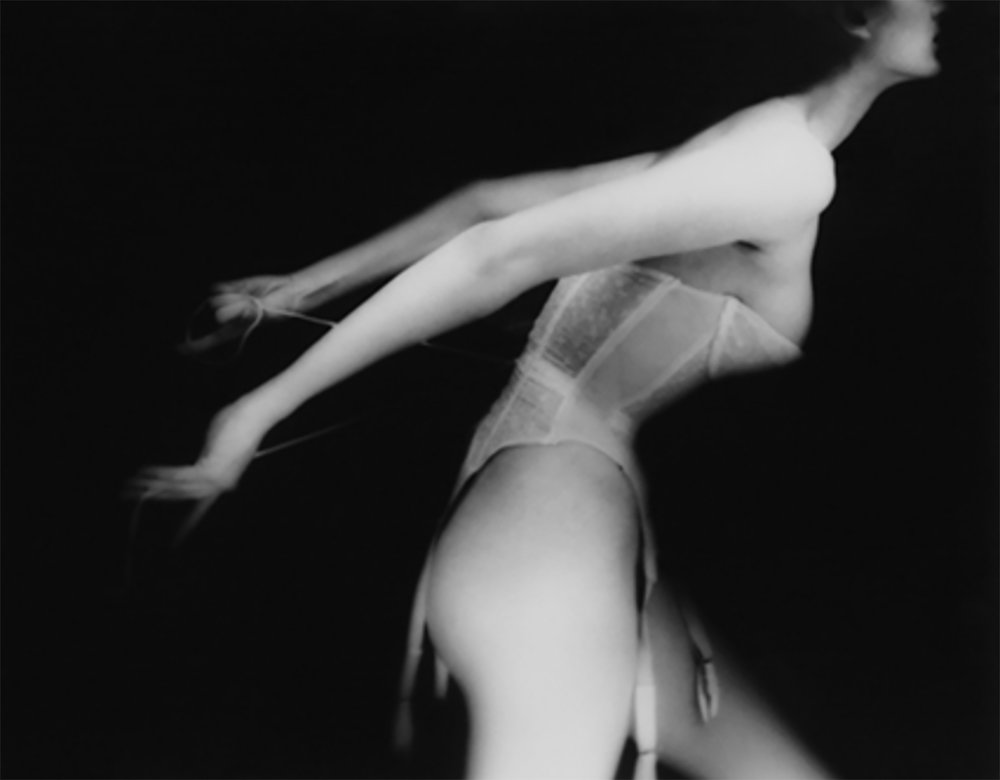 22 Lillian Bassman It's a Cinch. Carmen, New York. Harper's Bazaar, September 1951.jpg