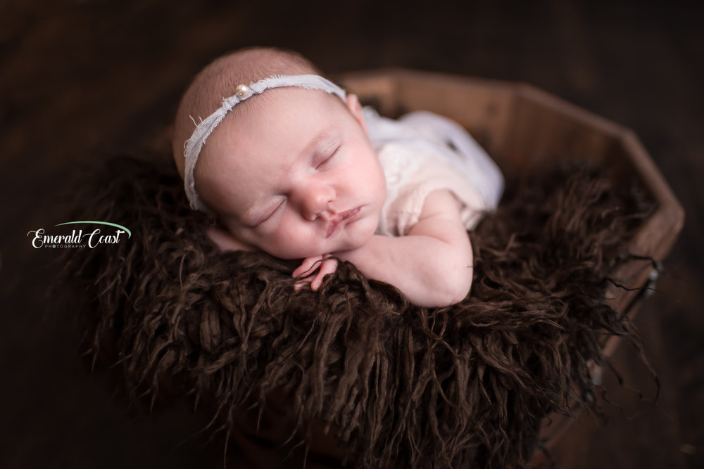 Oregon newborn photographer