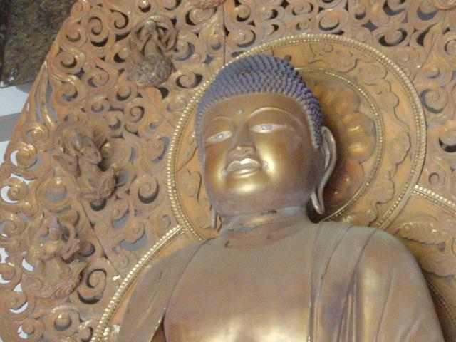 Buddha_byodo_1.JPG