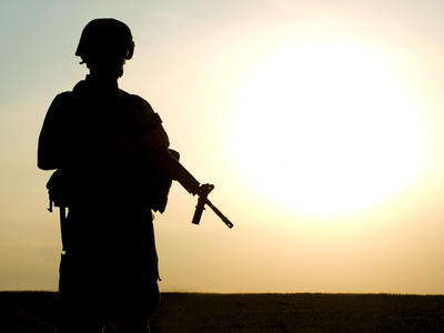 Fotolia_soldier_silhouette.jpg