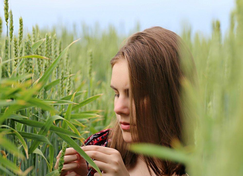 woman_farm_field.jpg