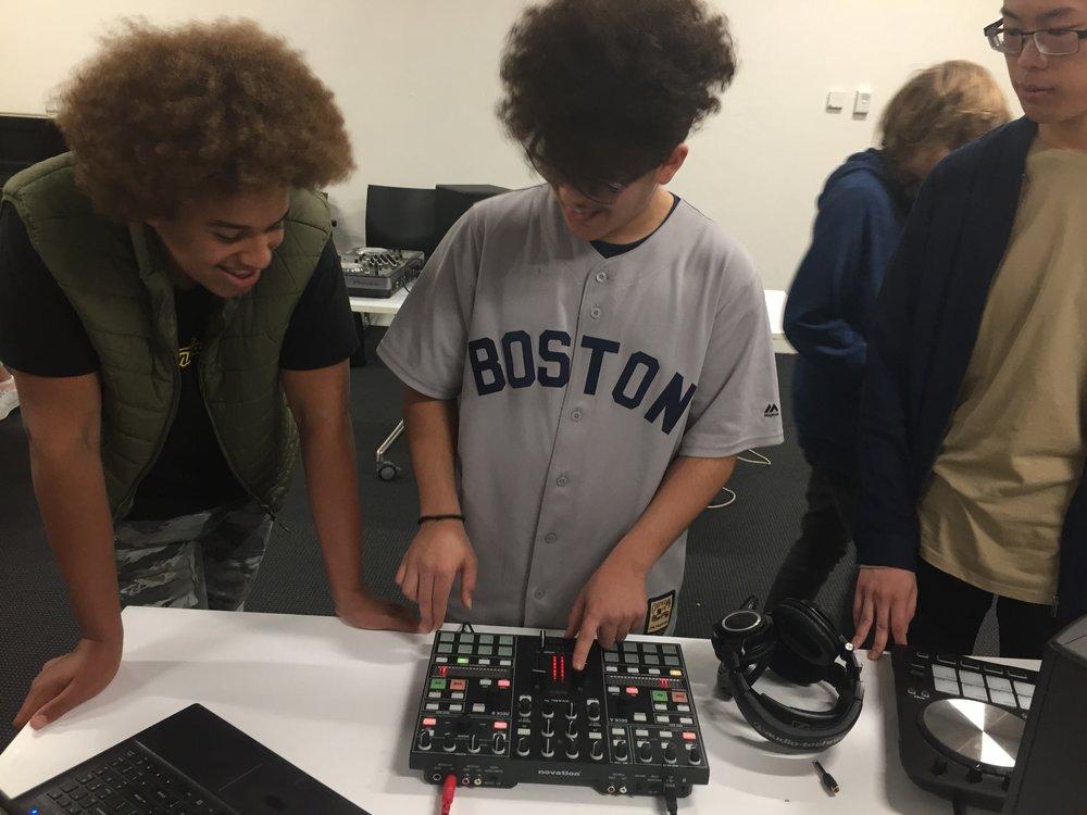 4/4/18: DJ Brigida: Intro to DJing