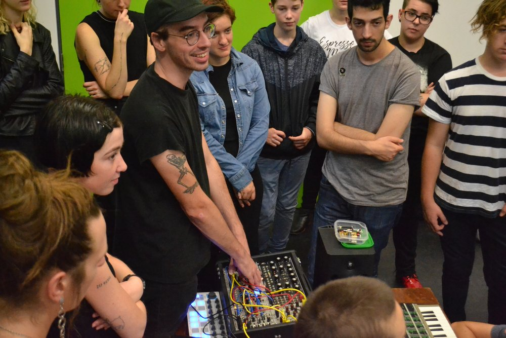 24/3/18: Bridget Chappell & Jonnine Nokes: Synthesizers
