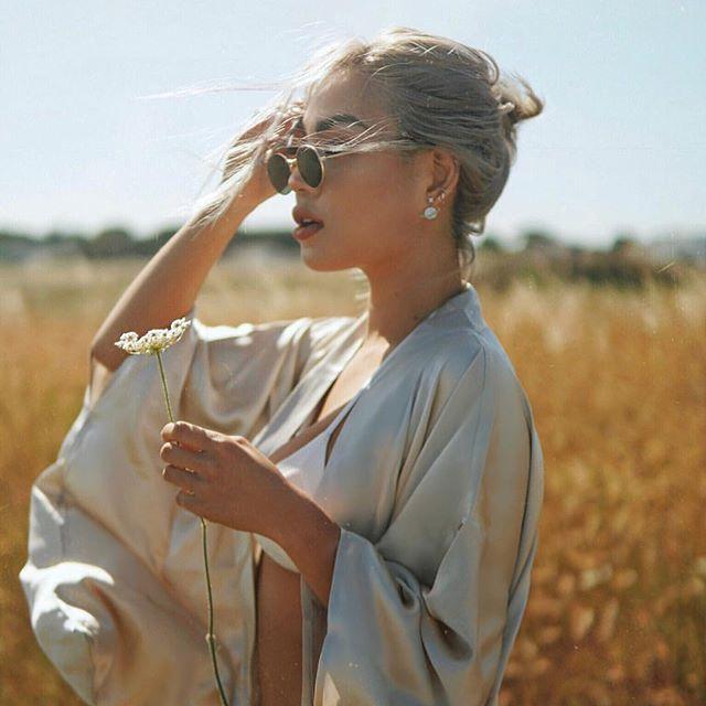 How beautiful does @ellenvlora look in our Kimono silk robe. ✨#kheirsannai #silkrobe #silkkimono #losangeles #blogger #wanderlust #style #styleblogger #beautiful #beauty #italy #regram #life #lifestyle #everything #lotd #potd
