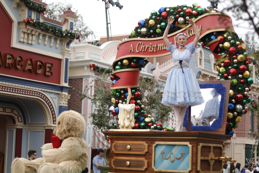 mainstreet usa christmas parade