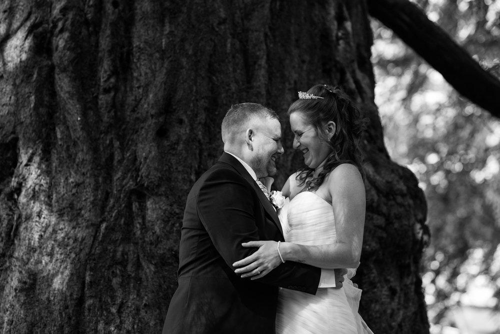 natural-wedding-photographer-Berkshire-16.jpg
